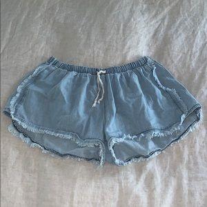 Lose/flowy jean shorts